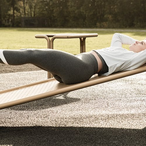 Outdoor fitness equipment for abs
